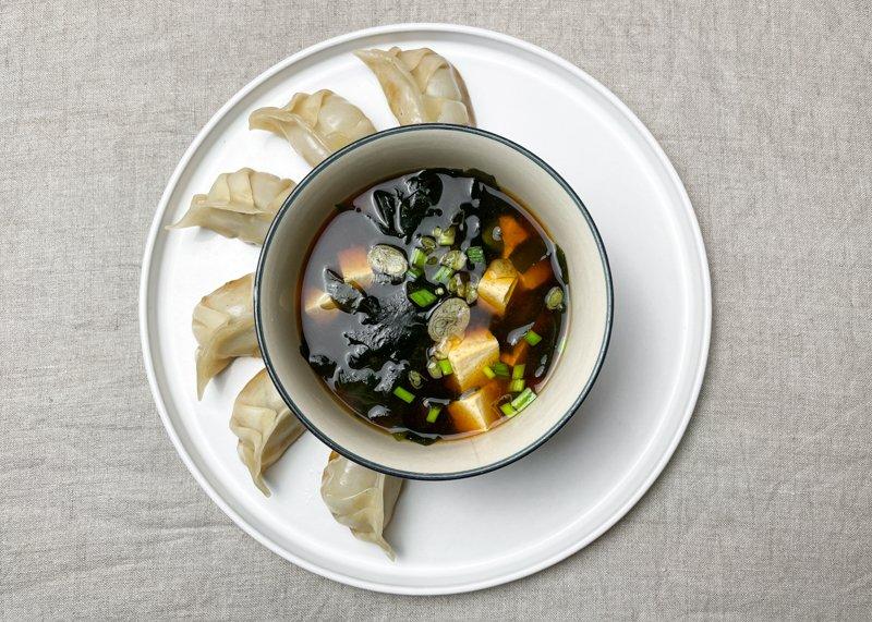 japanska dumplings och misosoppa